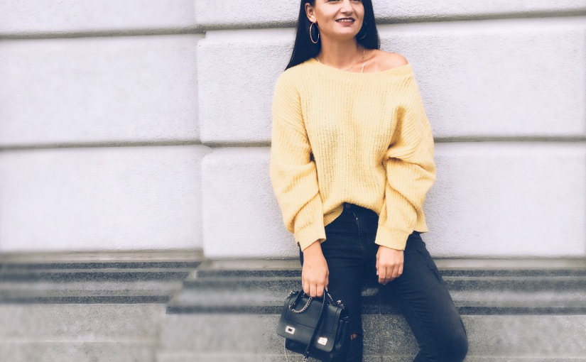 MUSTARD HUES AND JEWELRYDETAILS