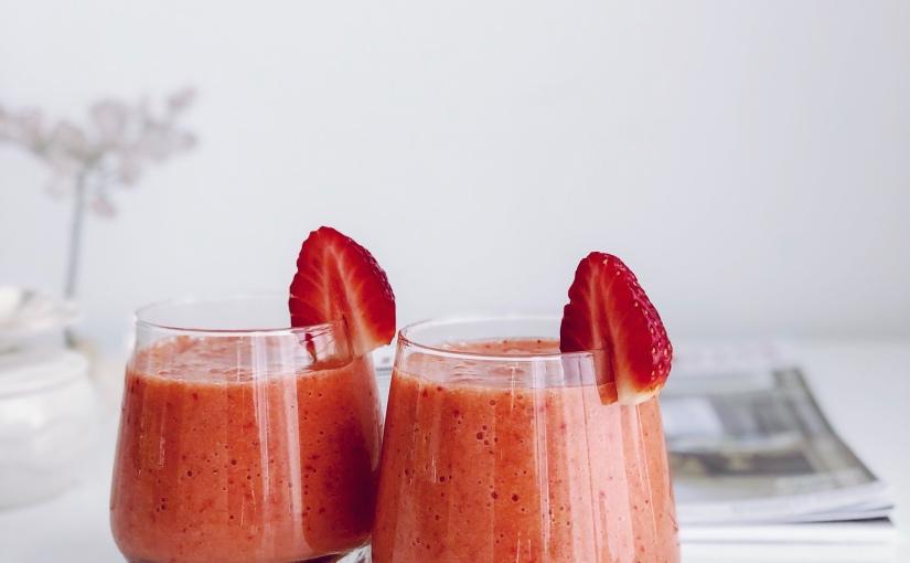 Свежо смути с ягодки и ощенещо